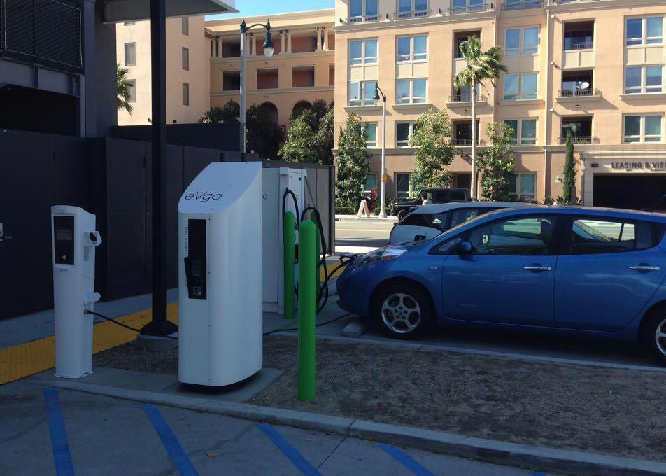 ev-chargers-in-Playa-Vista-Community-Center